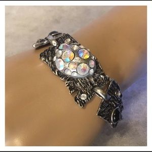 Jewelry - Unique Pearlescent Pink Rhinestone Silver Bracelet